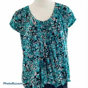 Tops - Green and White Short Sleeve Blouse